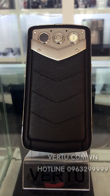 Vertu Constellation Quest Red Gold Diamond Trim Alligator